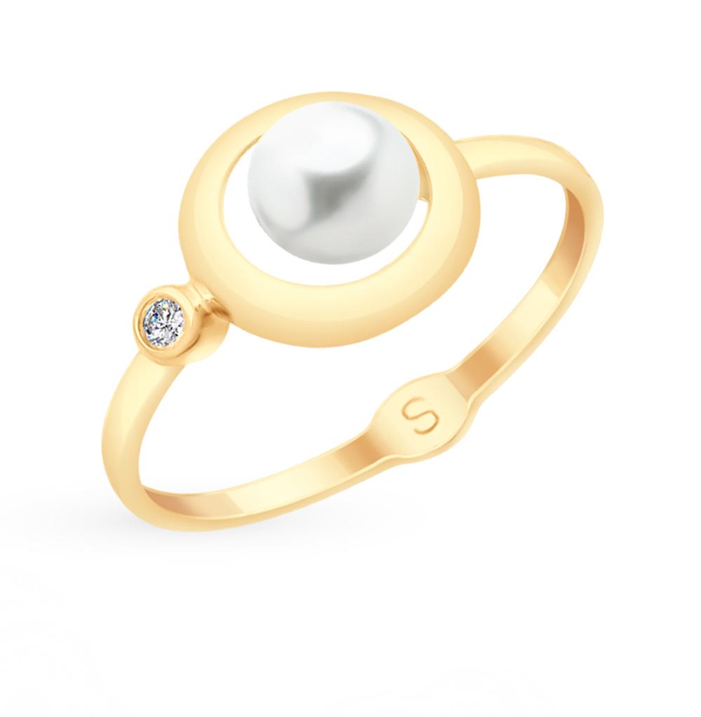 Фото «Золотое кольцо с фианитами и жемчугом SOKOLOV 791060*»