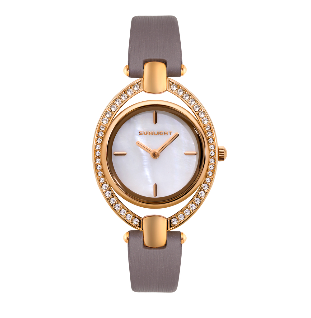 Женские часы на сатиновом ремне