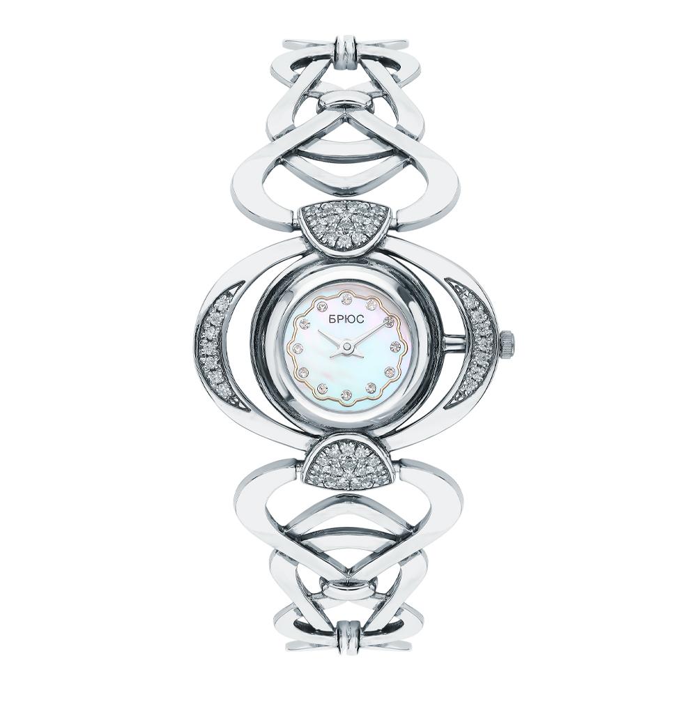 Часы девушки в Санкт-Петербурге