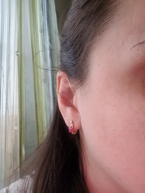Нежные серьги с рубинами и бриллиантами