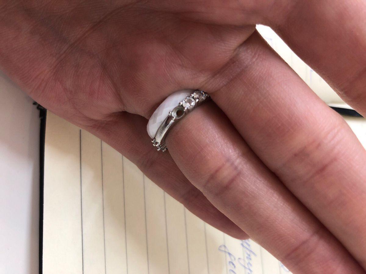 Любимое кольцо, но камни выпали