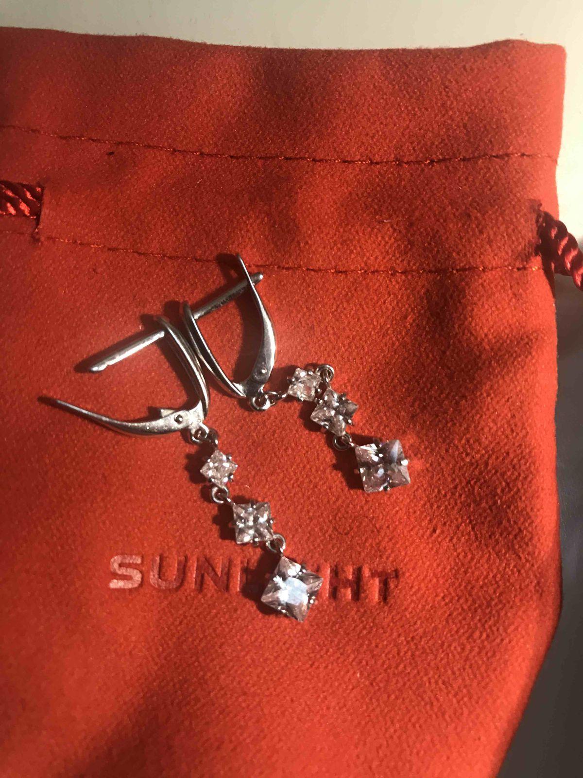 Мои красивые серебрянные сережки с фианитом