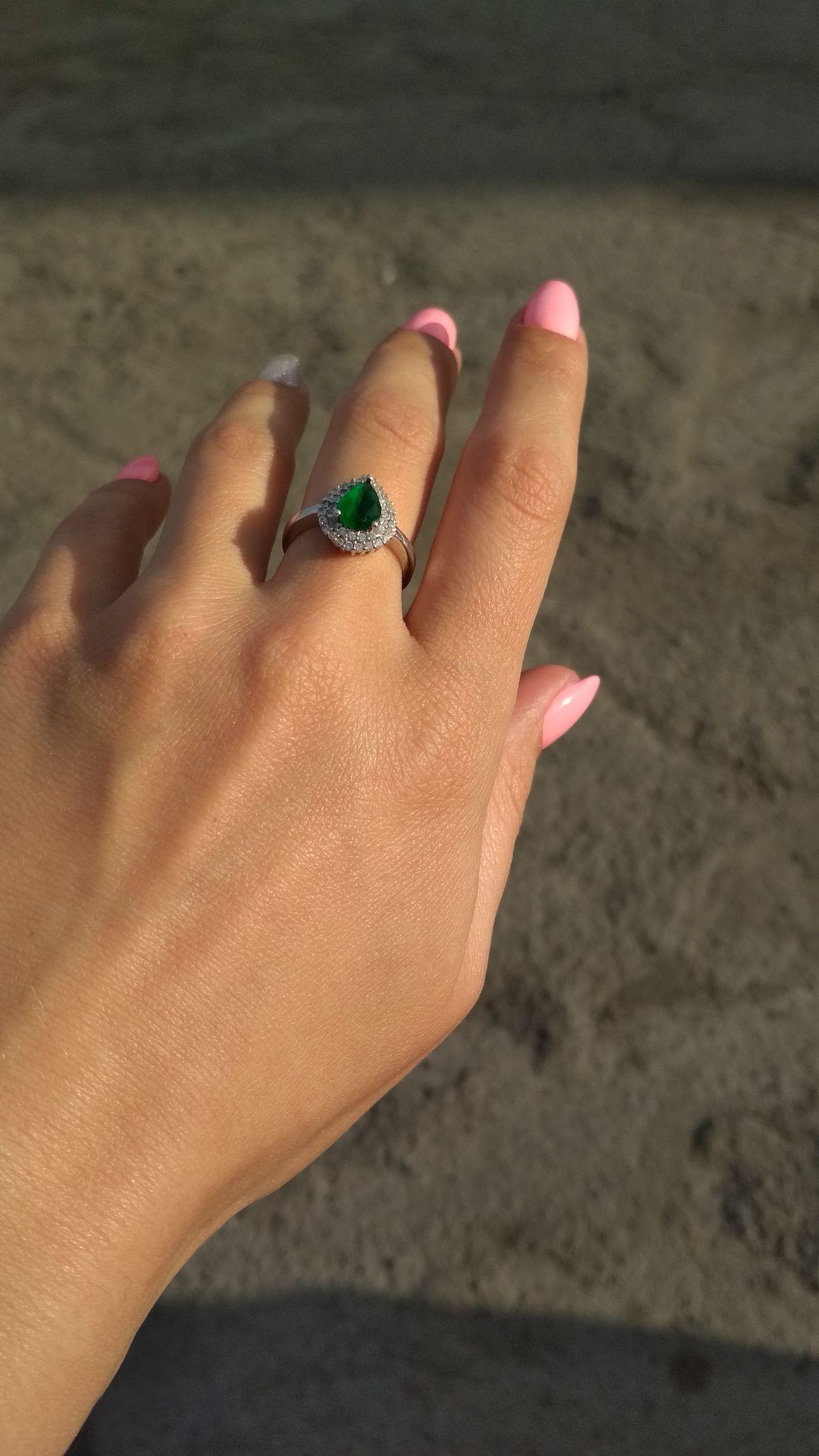 Очень элегантное кольцо.
