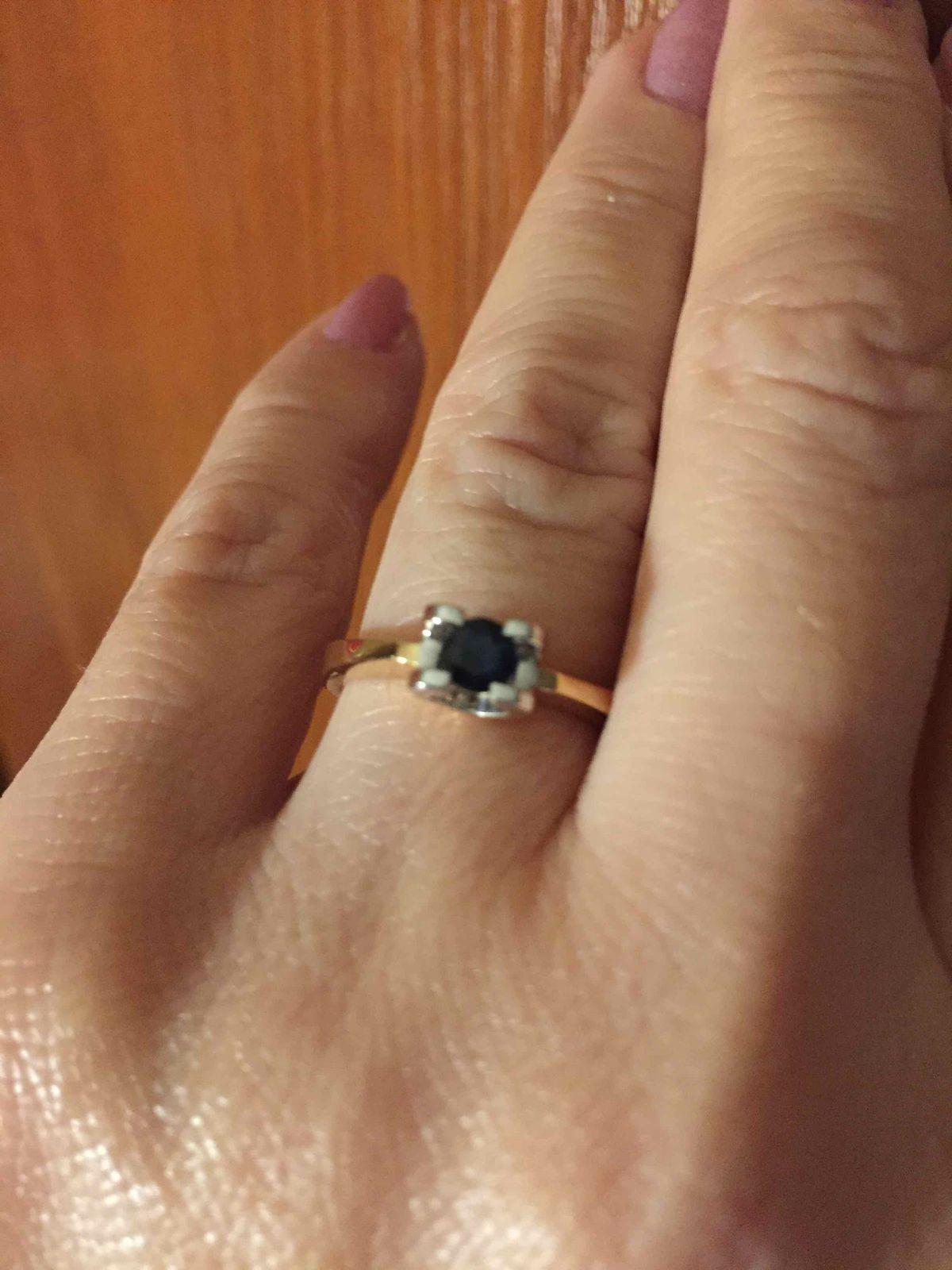 Отличное кольцо с сапфиром