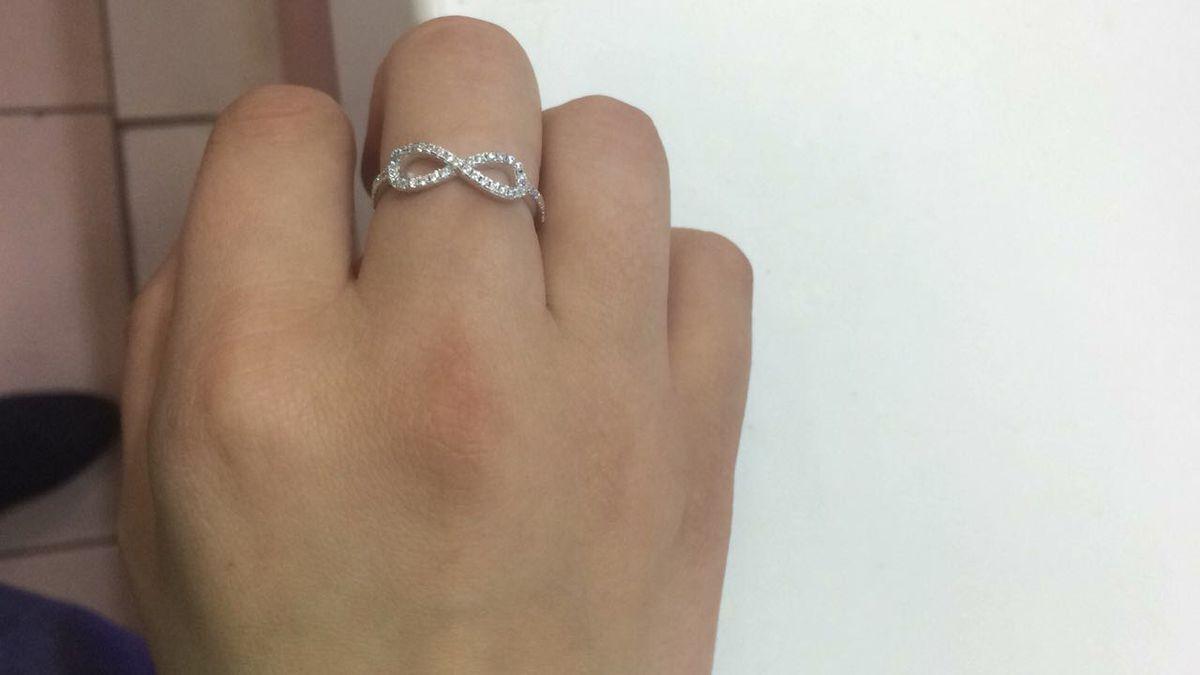 Серебряное кольцо бесконечность