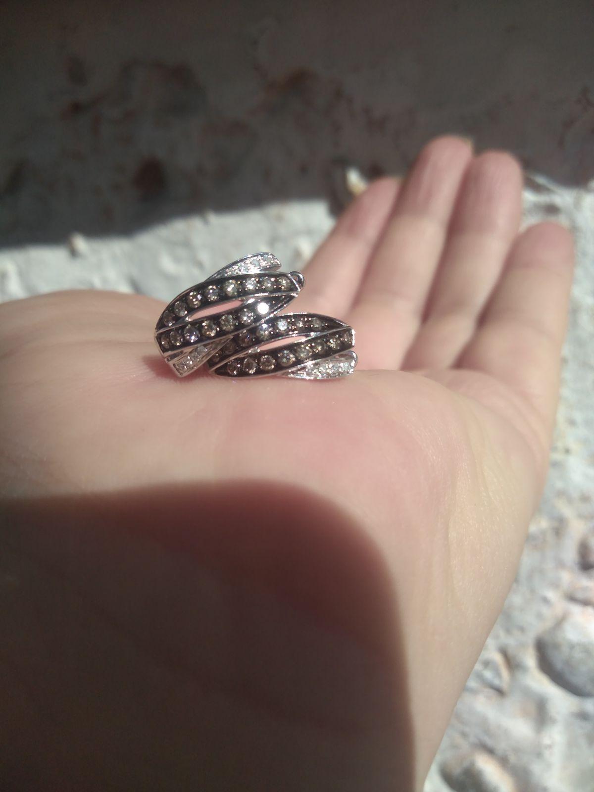Серьги из белого золота с коньячными бриллиантами