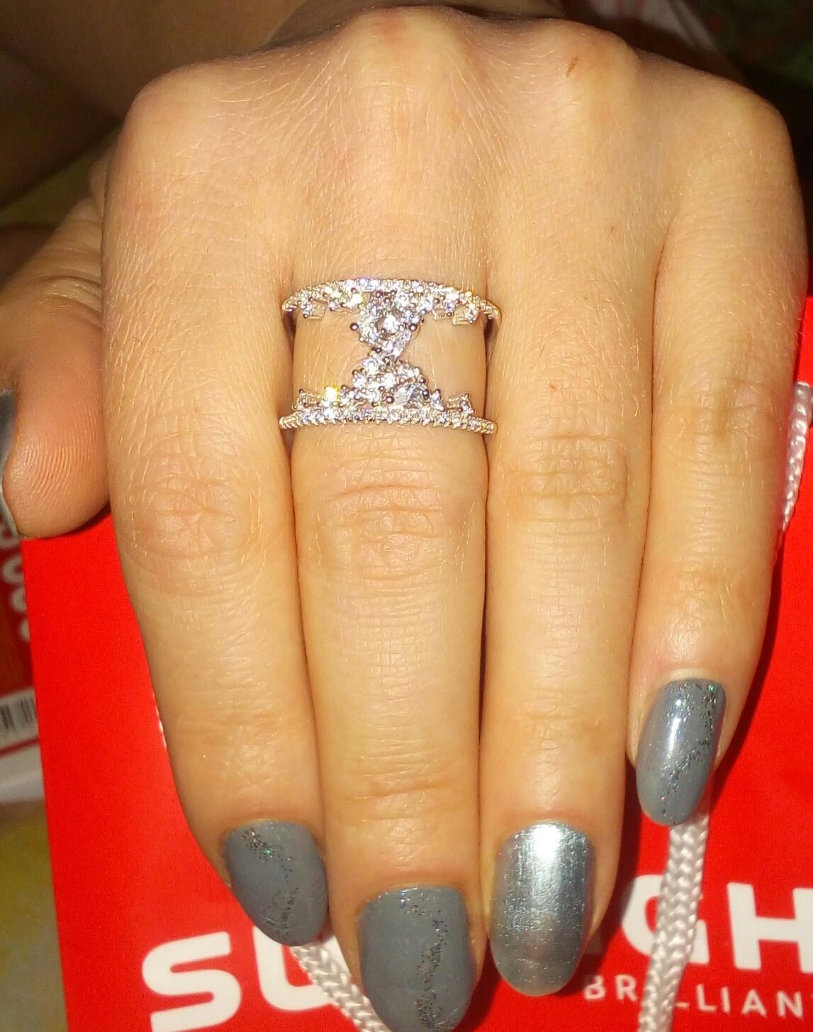 Кольцо наяву ооочень красивое!