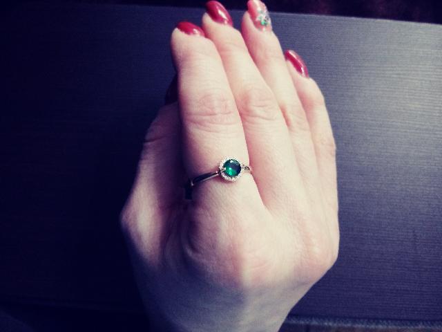 Золотое колечко с изумрудами и бриллиантами