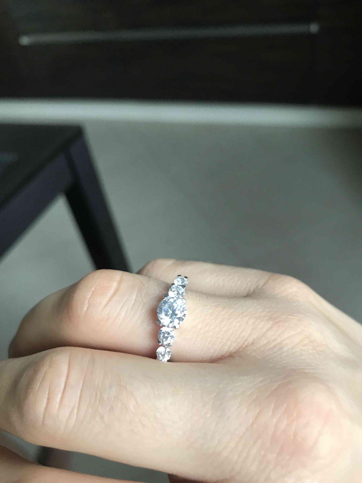 Кольцо супер как золотое!