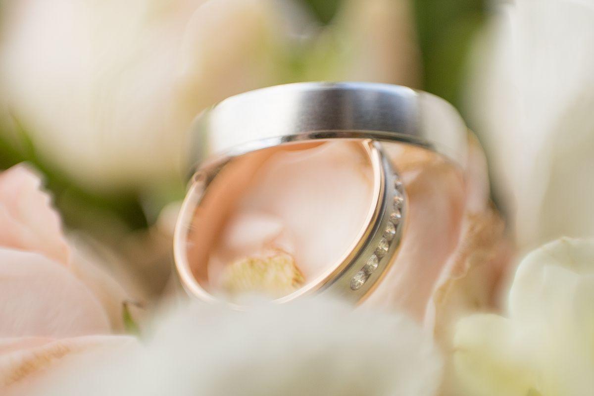 Моё обручальное кольцо)