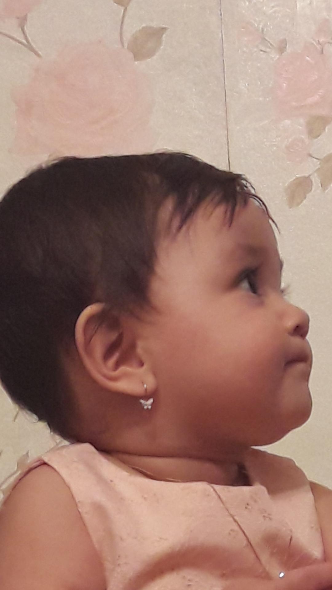 Купили дочке серёжки