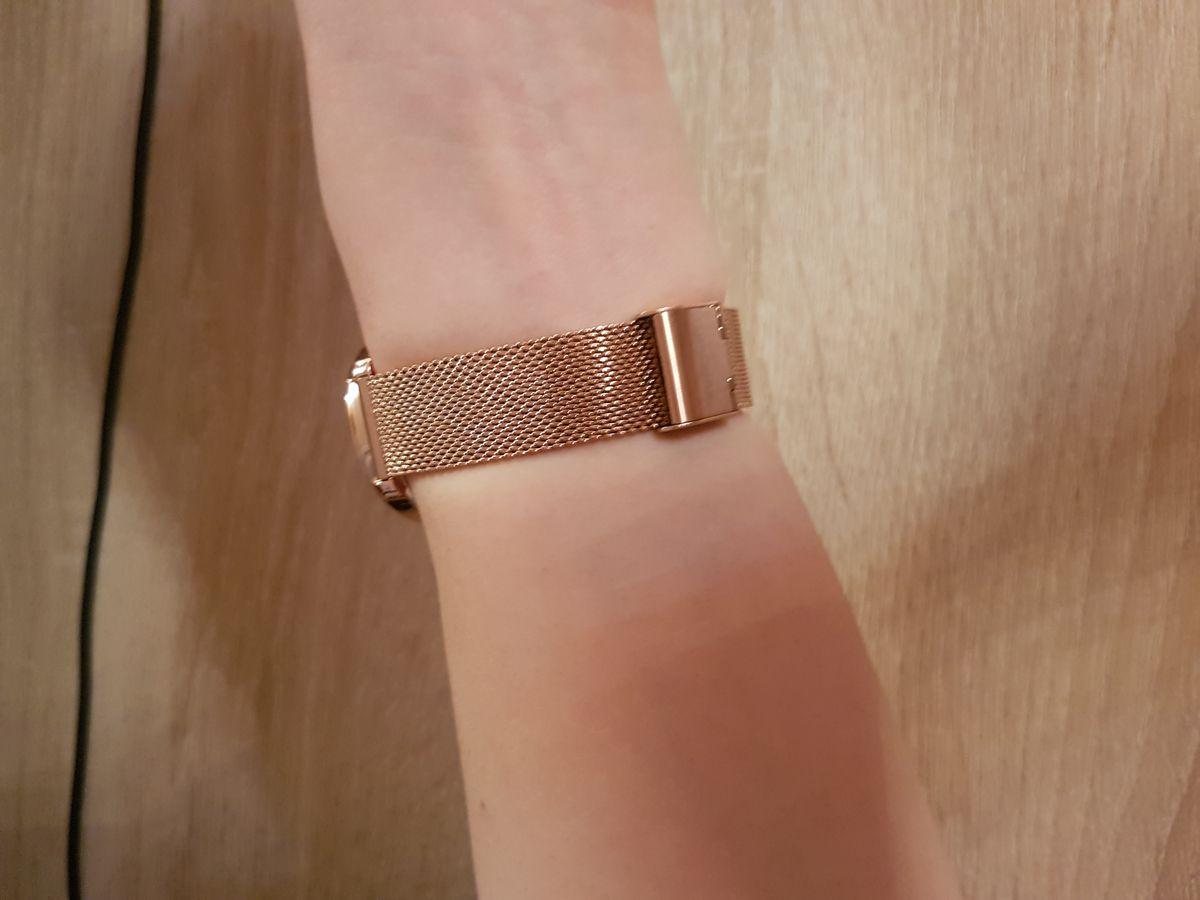 Очень красивые часы на миланском ремешке!