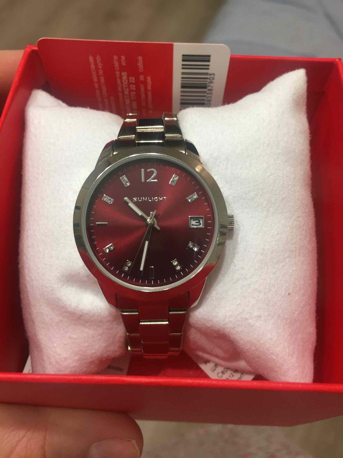 Купила часы себе в качестве подарка на 8 марта.