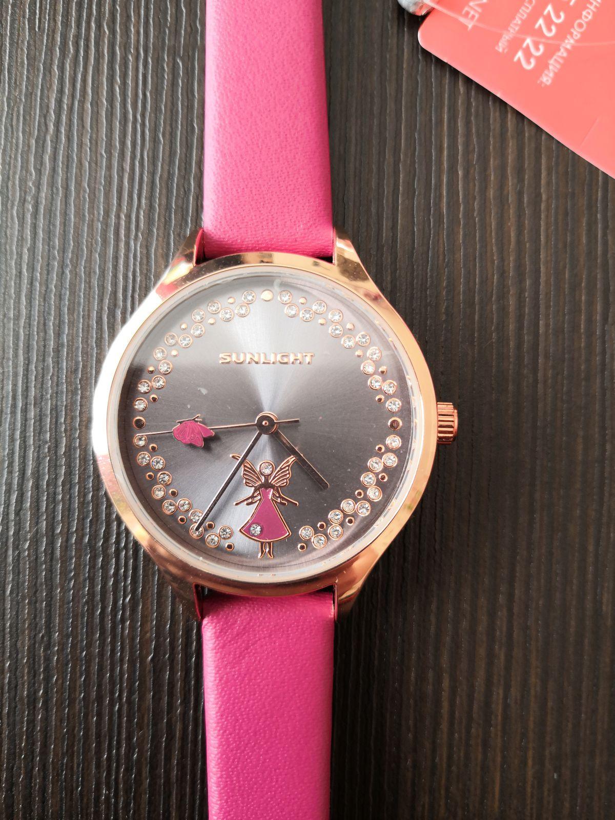 Прекрасные часы для девочки