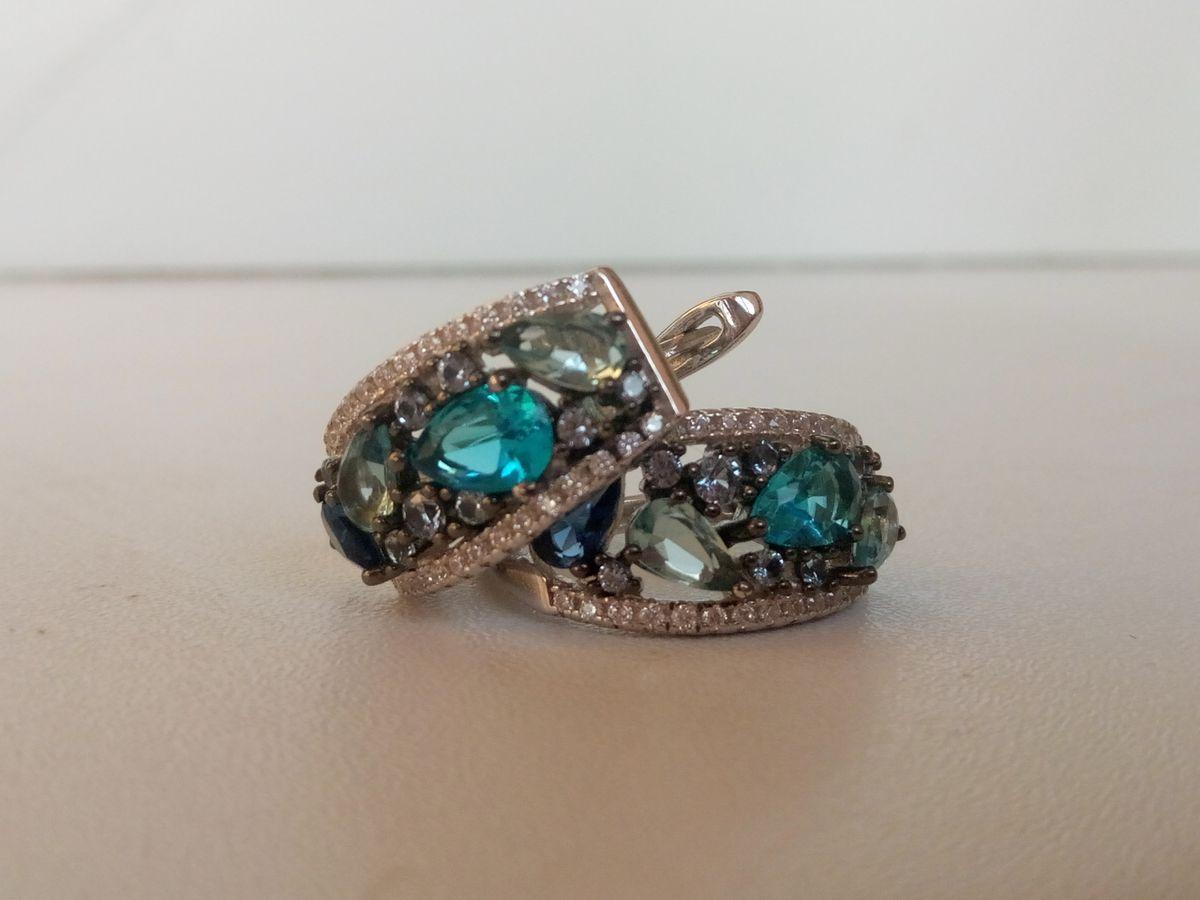 Сережки с камнями