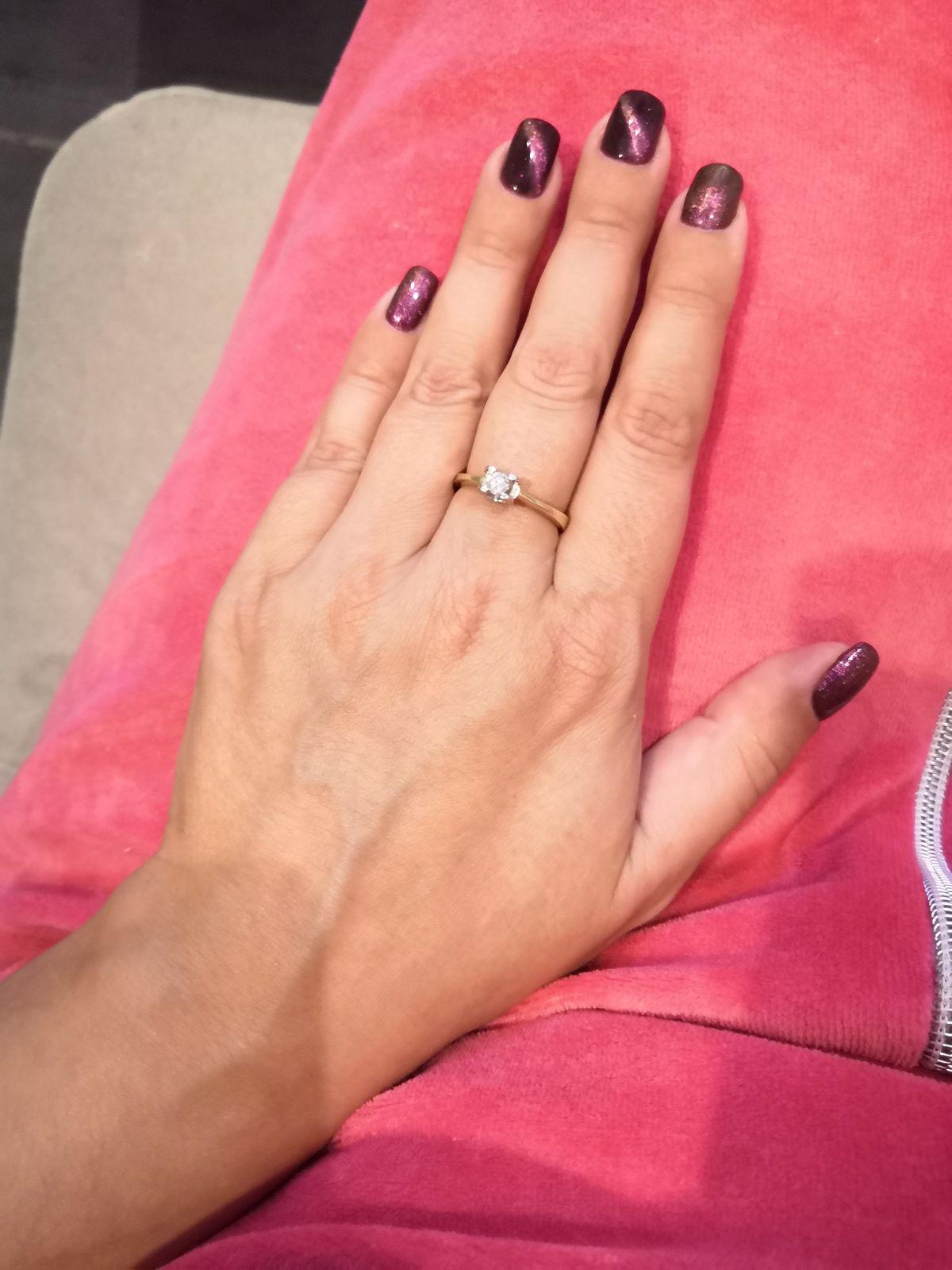 Невероятное кольцо с бриллиантом