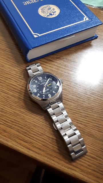 Брутальные, стильные часы