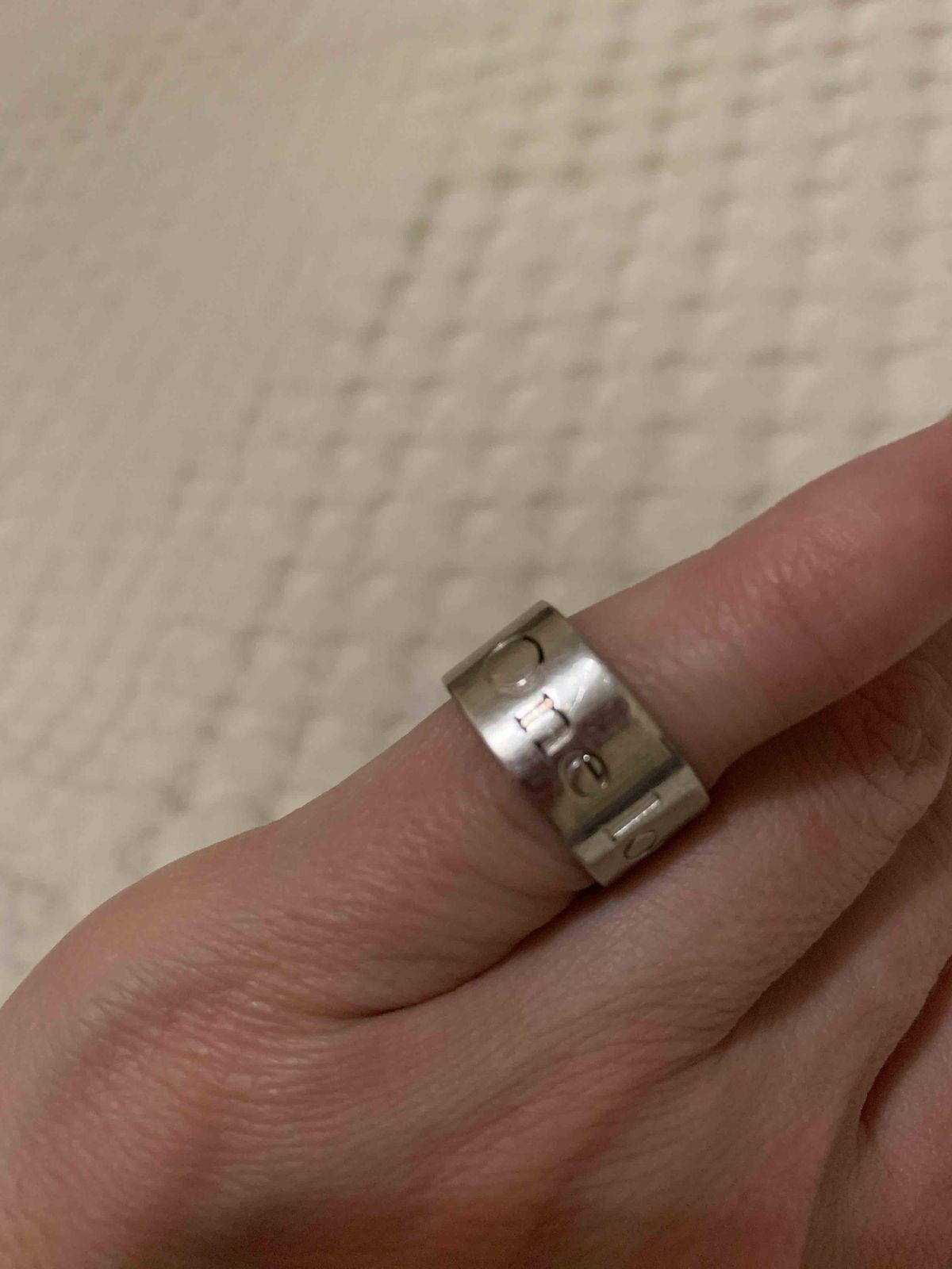 Кольцо облезло