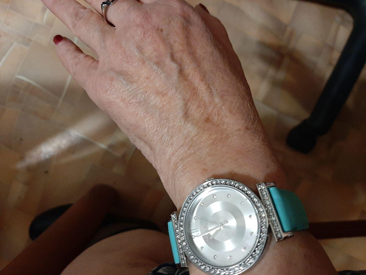 Часы бирюзовые