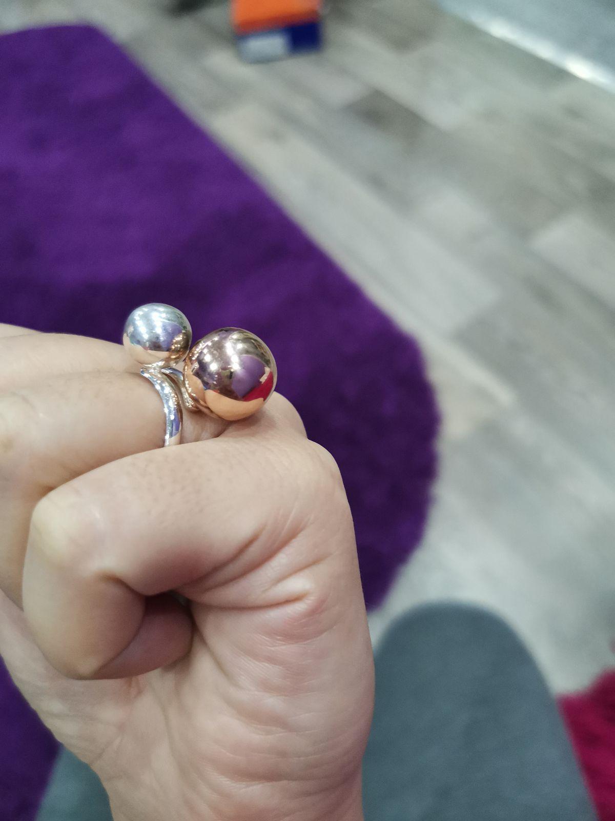 Кольцо с шариками