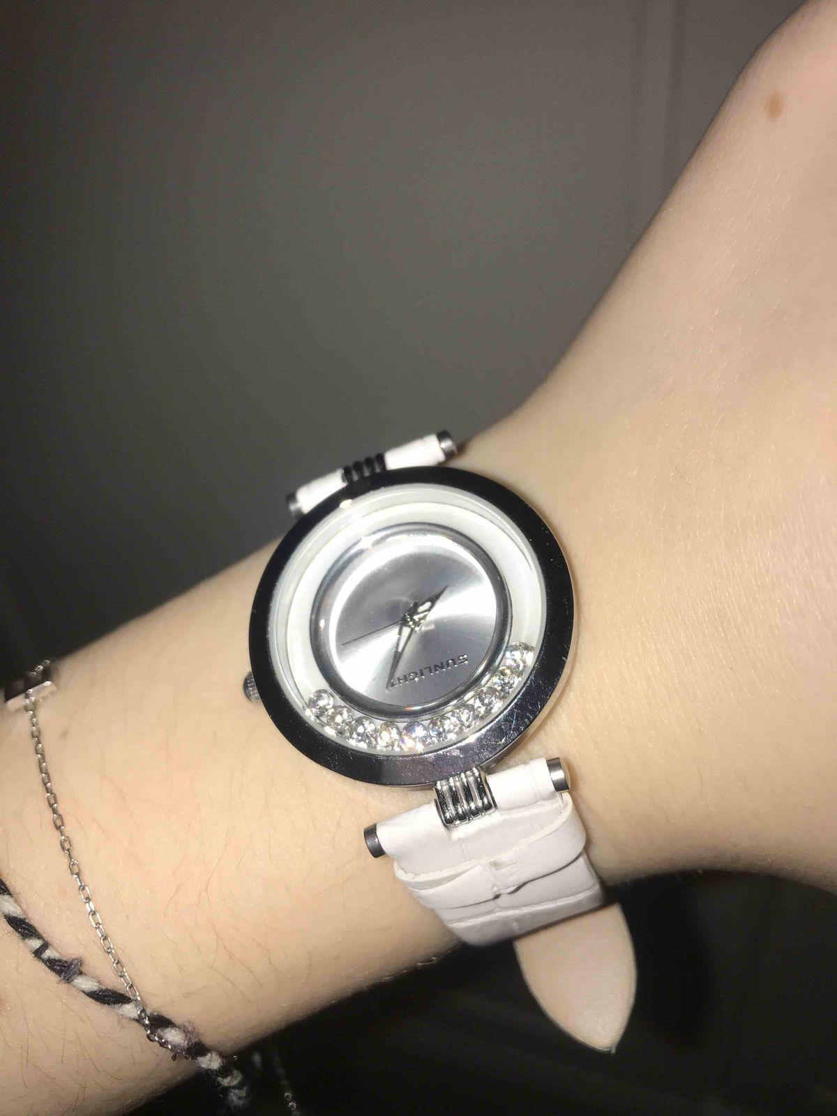 Шикарные  часы !!!!