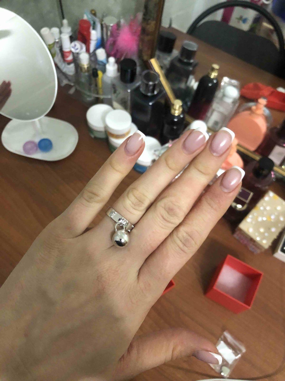 Кольцо серебрянное с шаром подвеской