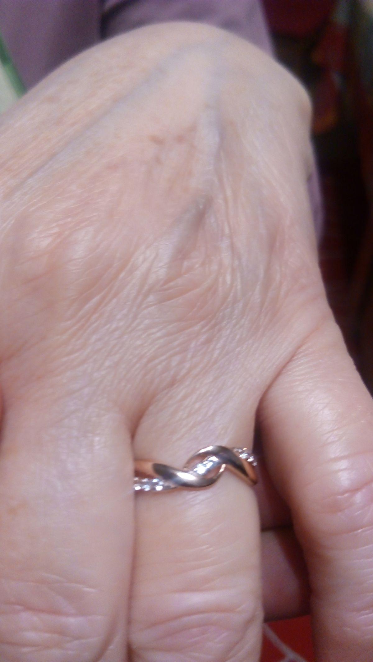 Отличное кольцо, купил жене на день рождение