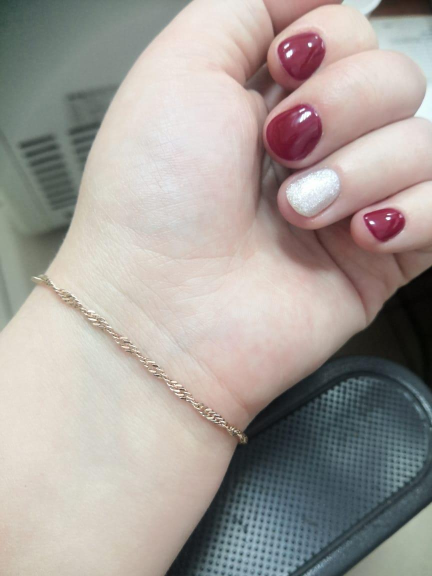 Серебряный браслет с позолотой - красивое и нежное украшение для девушки.