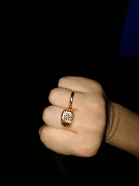 Кольцо шикарное с брюреками