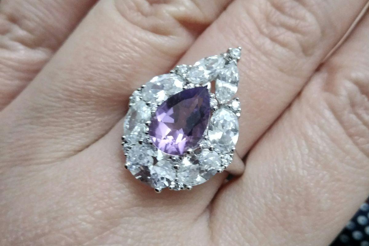 Удивительно красивое кольцо