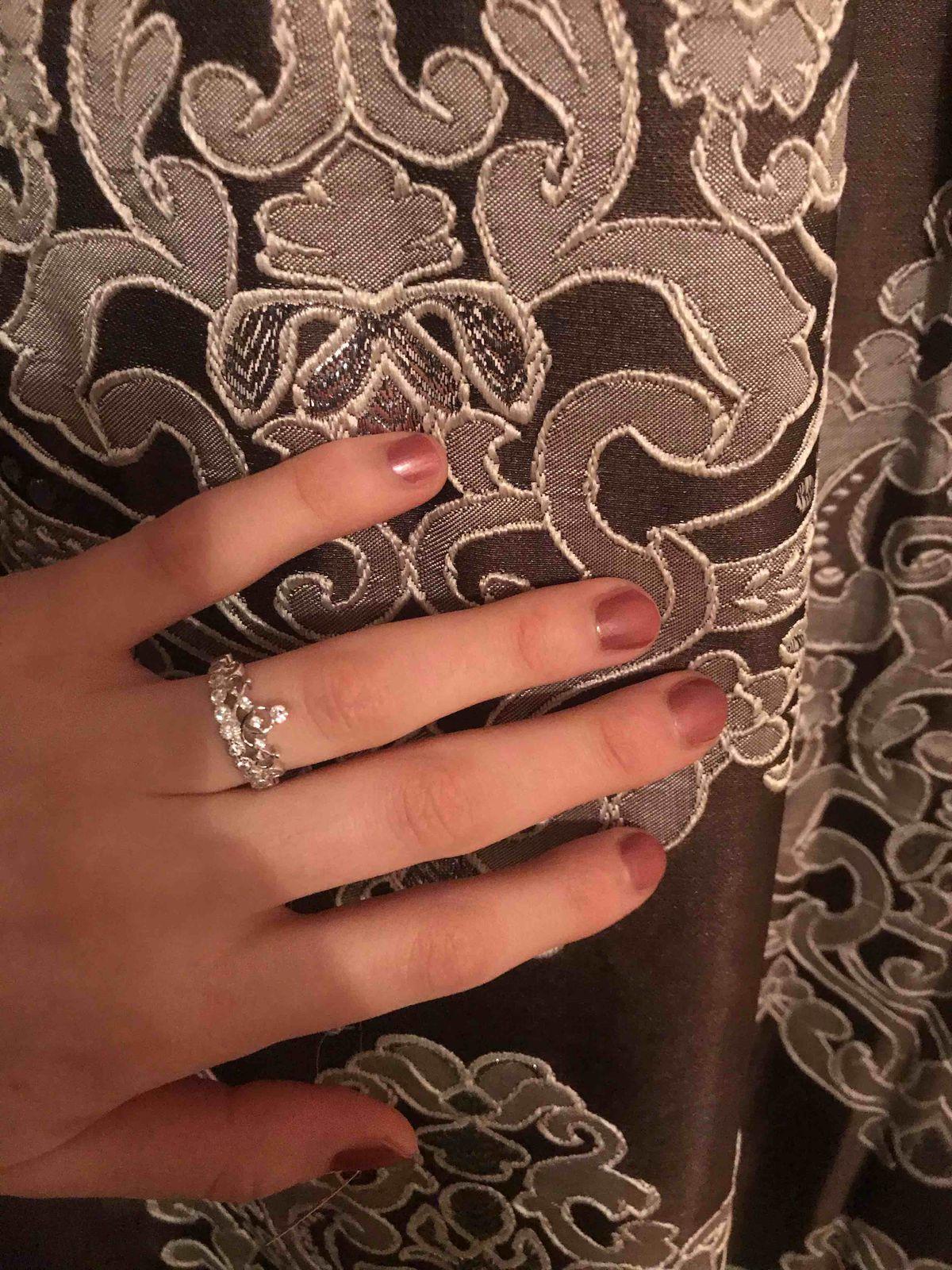 Отличное кольцо ,красиво смотрится 👍🏻👍🏻