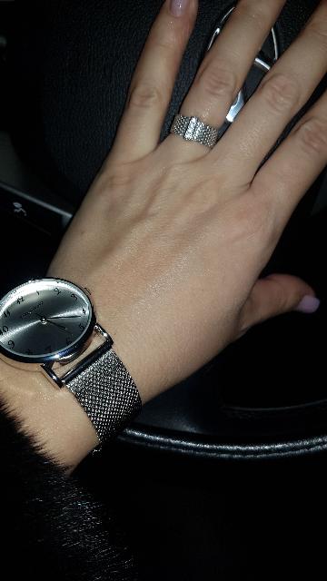Очень красивые стильные часы!