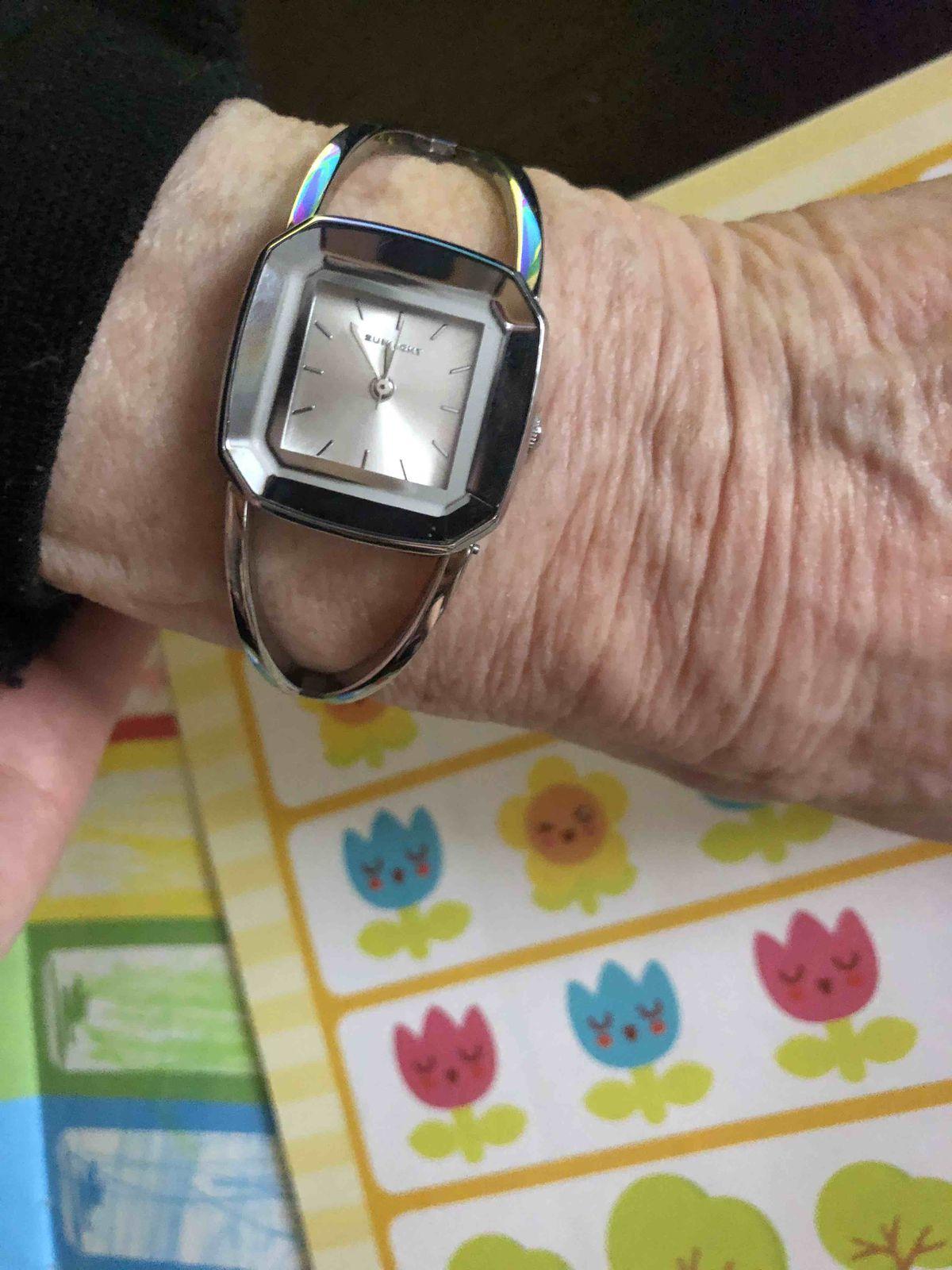 Часики для бабушки