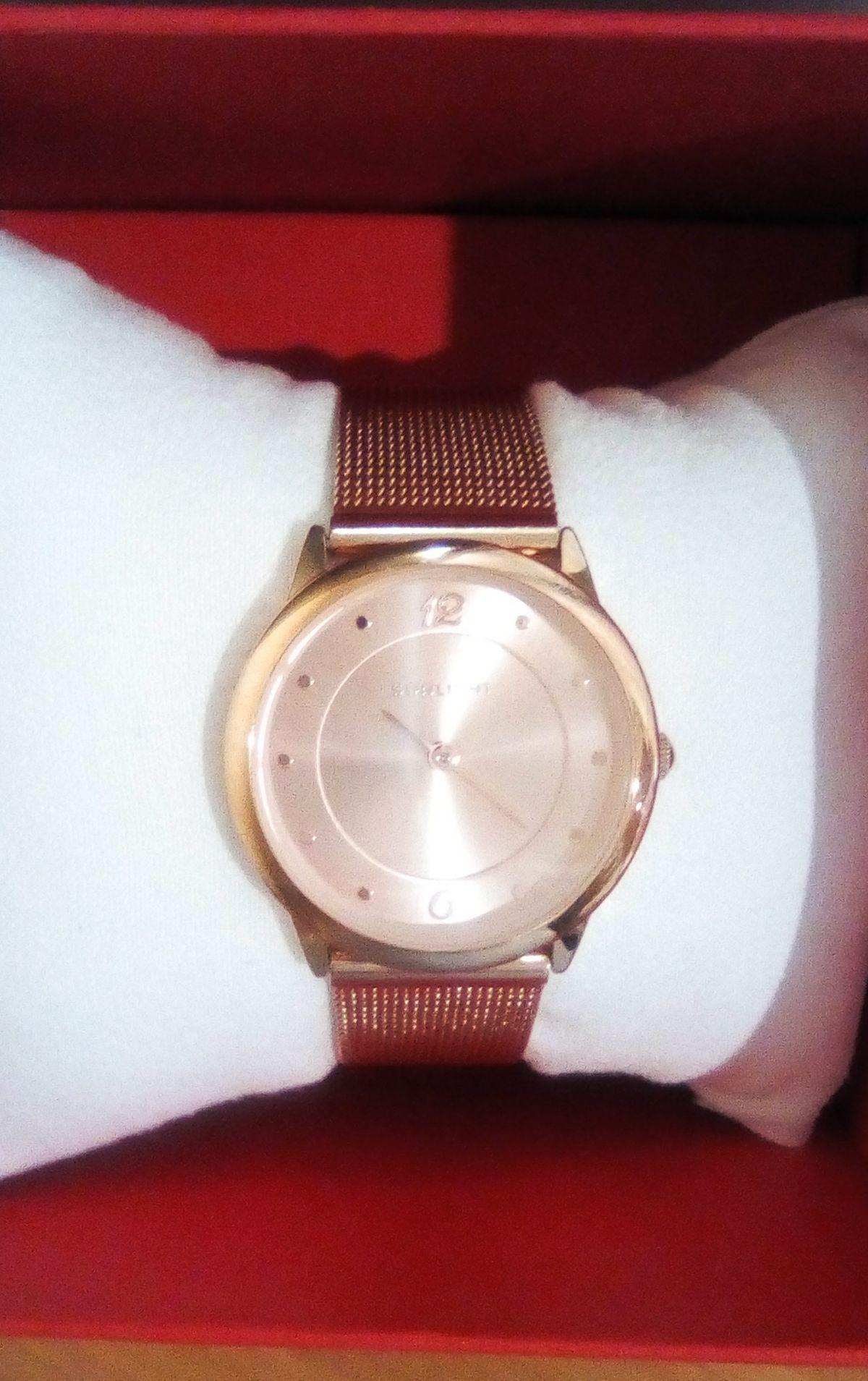 Красивые и изящные часы
