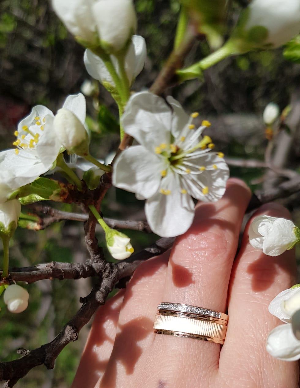 Изумительное обручальное кольцо
