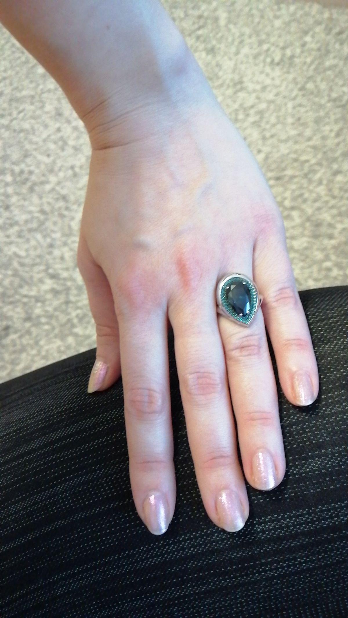 Перстень с топазом.