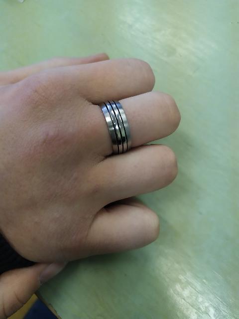 Очень нравится кольцо.