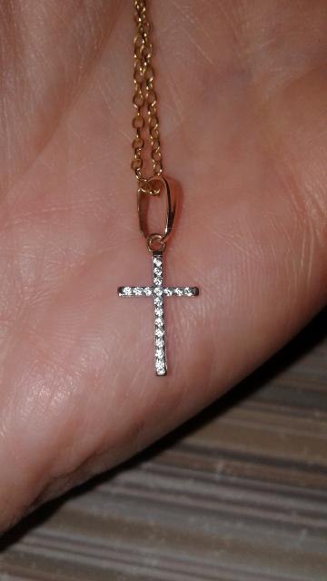 Миниатюрный крестик.