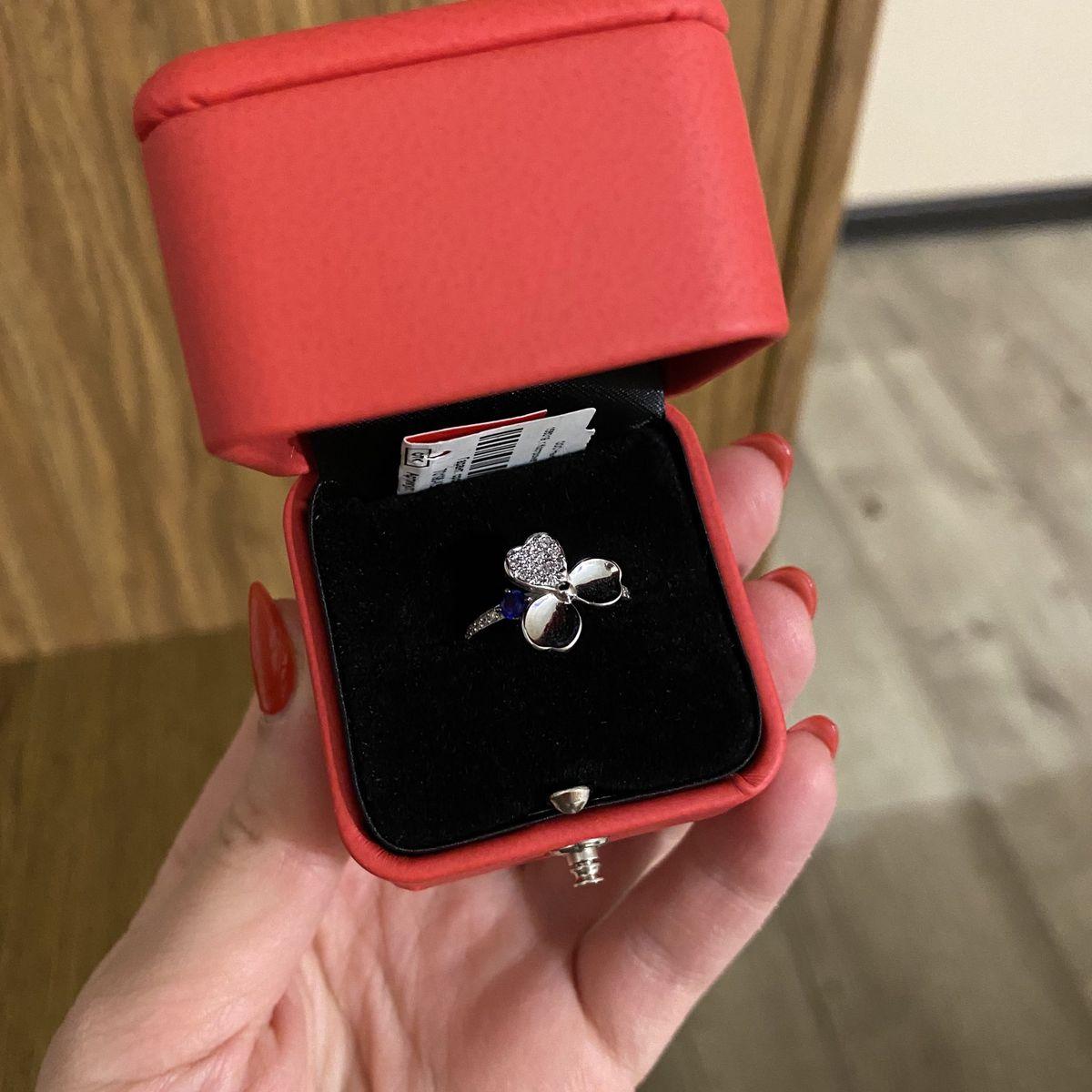 Красивое и интересное кольцо