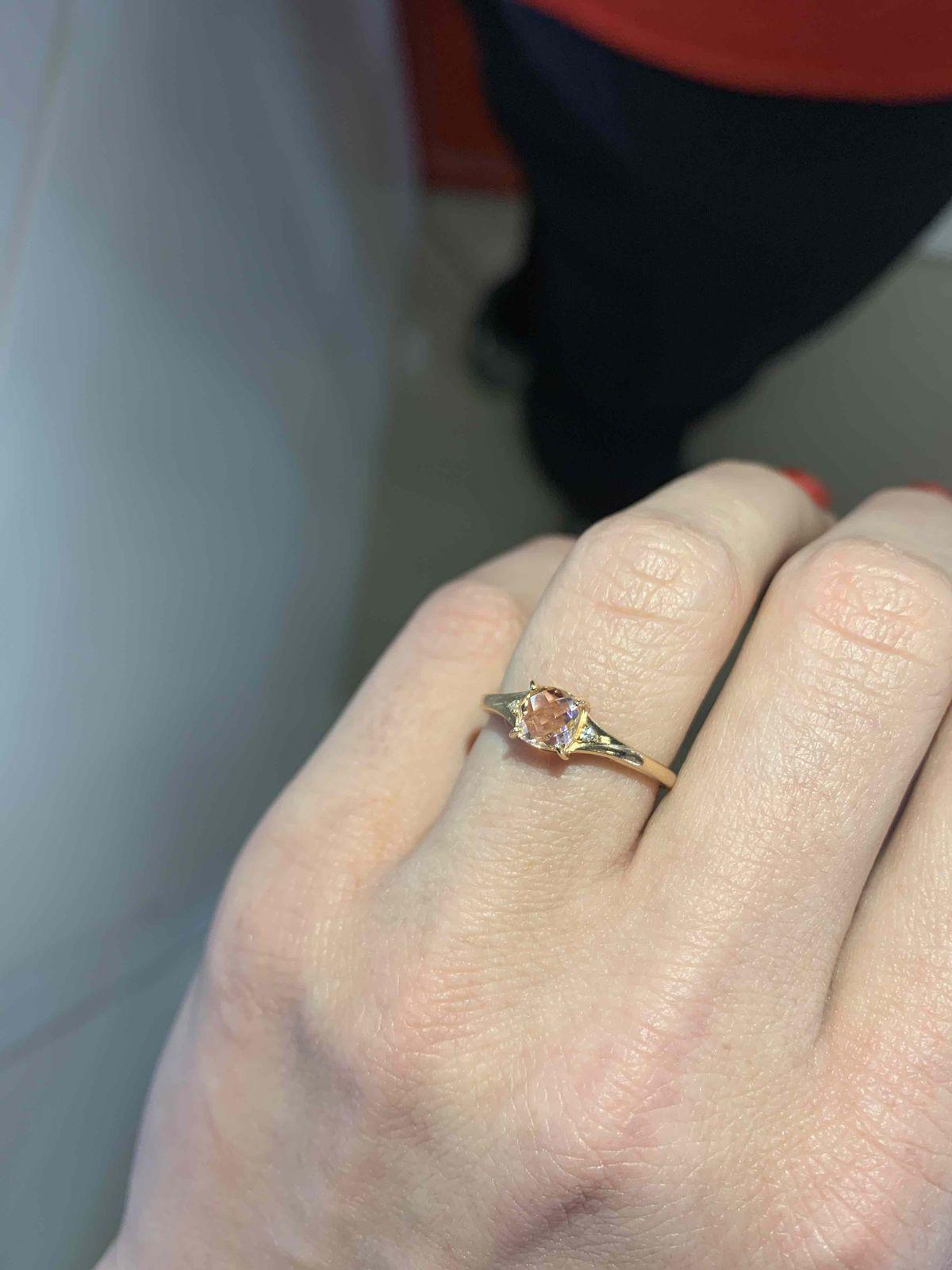 Божественное кольцо из золота 585 пробы, со вставкой полудрагоценного камня