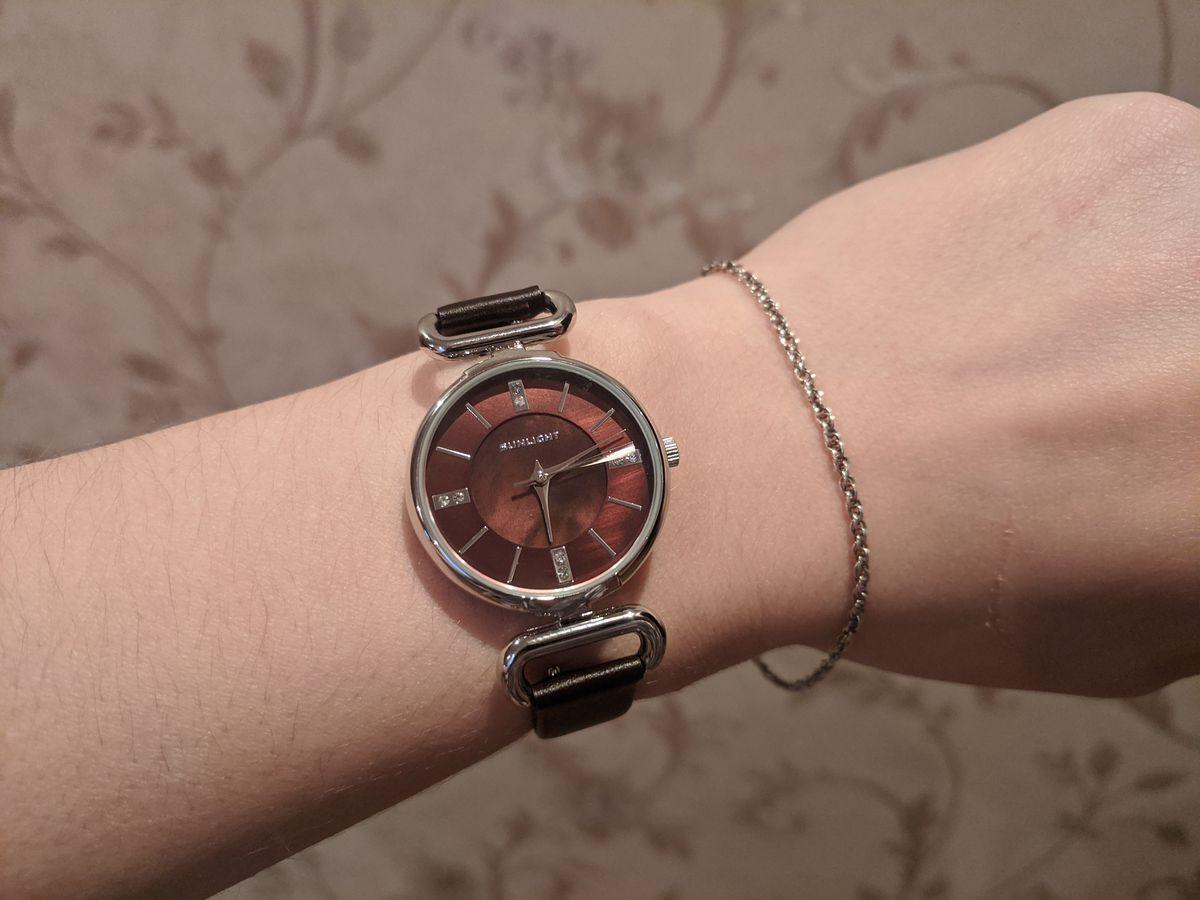 Покупала часы себе