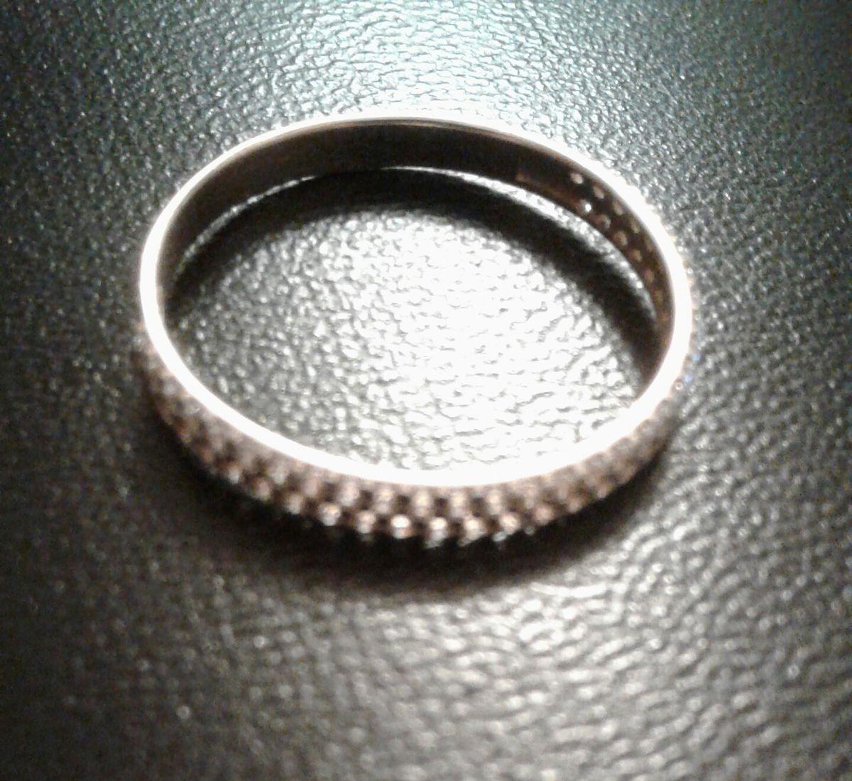 Золотое колечко, дополненное керамическими кольцами - рекомендую
