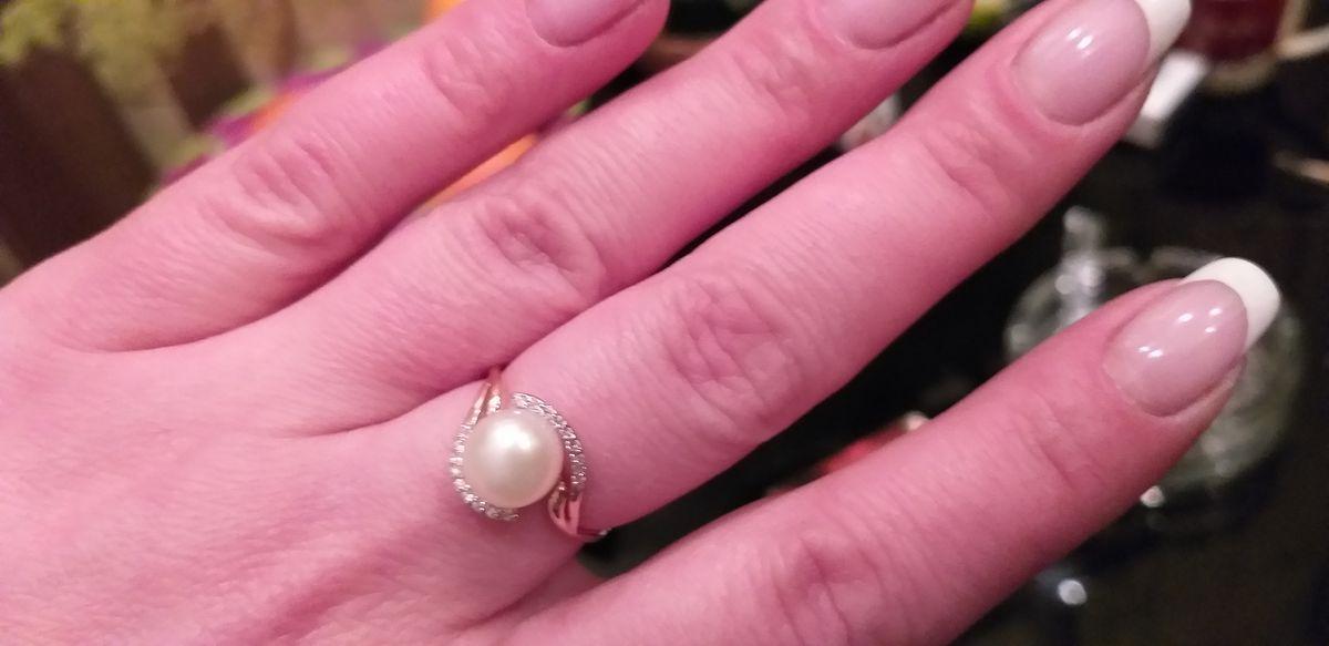Кольцо золотое с культивированым жемчугом