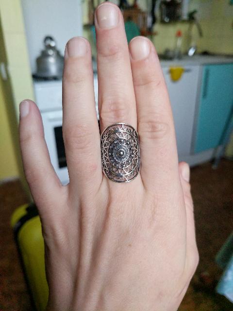 Замечательное кольцо, тонкая и качественная работа.