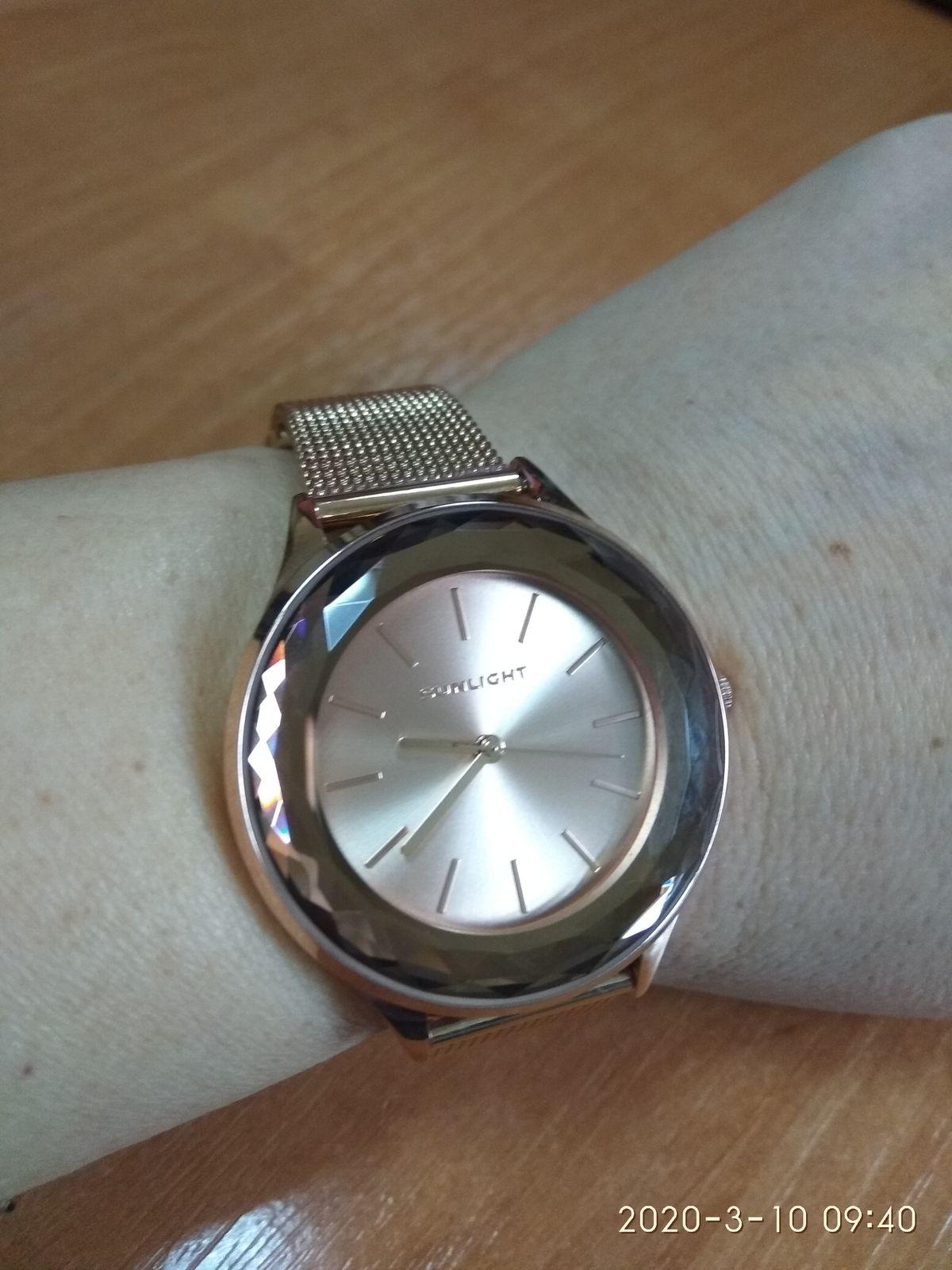 Красивые часы в подарок