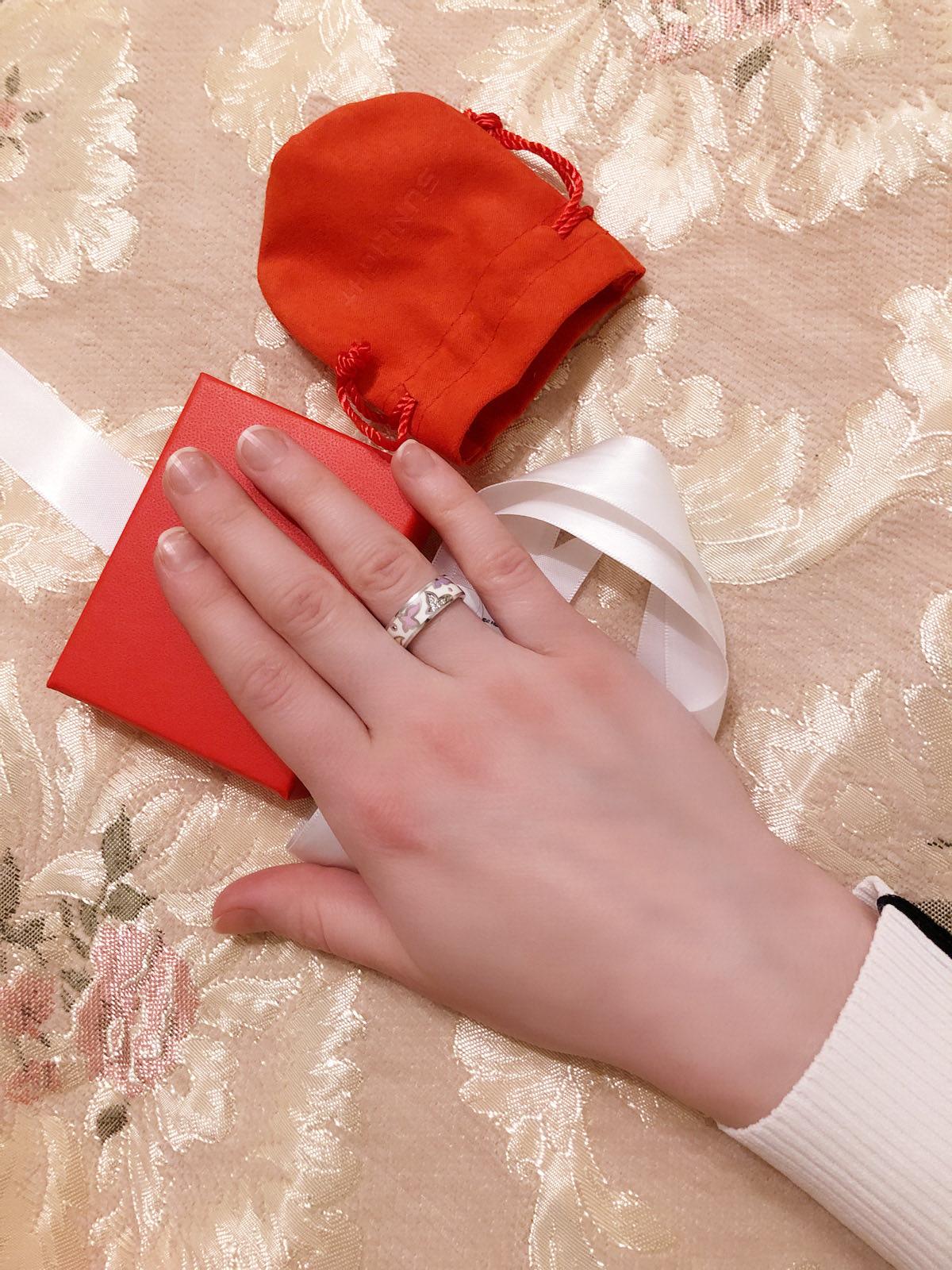 Кольцо очень удобное и красивое👍