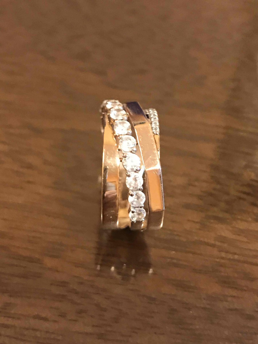 Необычно кольцо. Порадовала новинка!