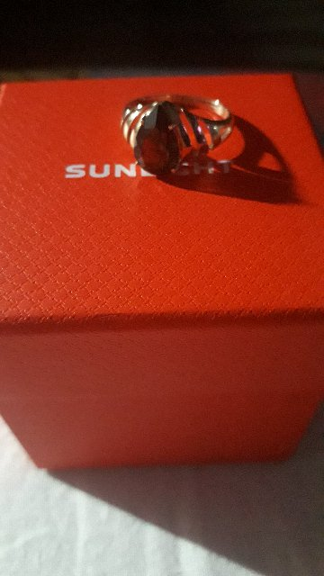 Кольцо очень красивое. Покупала для себя.