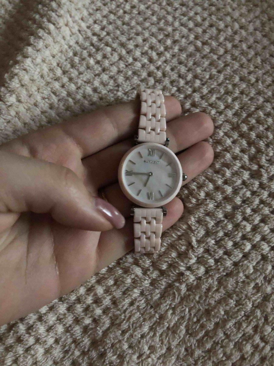 Керамические женские часы. Нежно розового цвета. Отличный магазин в городе.