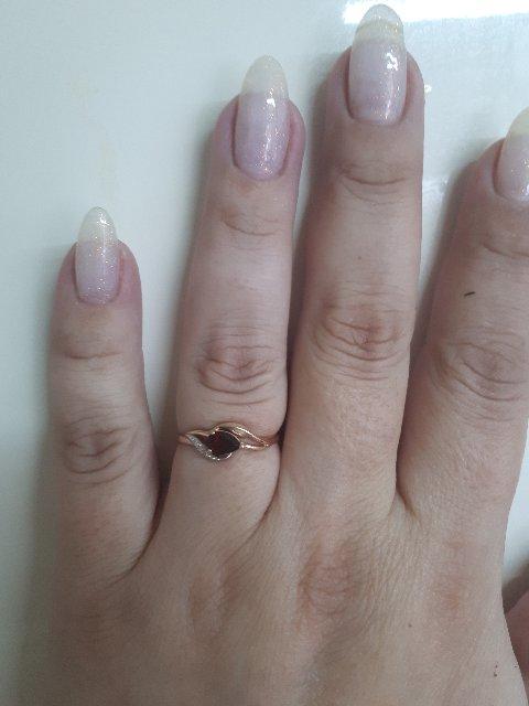 Отличное кольцо,за такие деньги просто замечательно.
